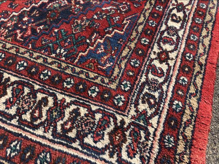 Klein Perzisch Tapijt : Le tapis vivant tapijten wassen repareren